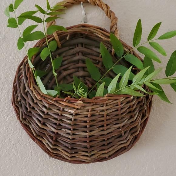 Cute Willow Basket Wall Pocket